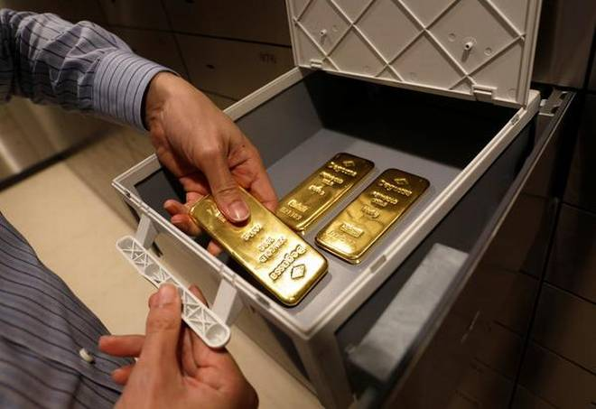 Gold or Real Estate: what is the right investment for you?