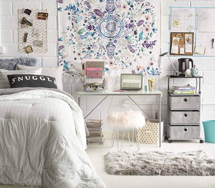Do's and don'ts of dorm room decorating for college students